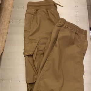 In great condition, boy cargo jogger pants